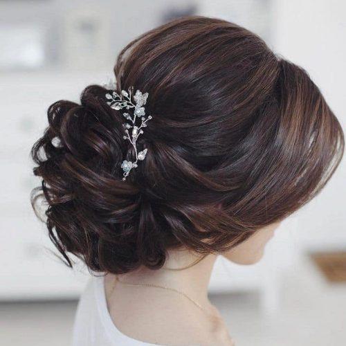Parrucchiere sesto fiorentino Trend Diffusion by Luciano Coppetti acconciatura sposa capelli castani dettaglio gioiello