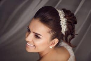 acconciatura sposa capelli castani matrimonio
